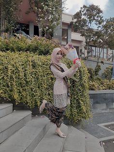 Kebaya Modern Hijab, Kebaya Hijab, Kebaya Brokat, Kebaya Dress, Batik Kebaya, Kebaya Muslim, Ootd Hijab, Hijab Outfit, Batik Fashion
