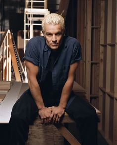 James Marsters (Spike) oh how I loved him in my younger days...