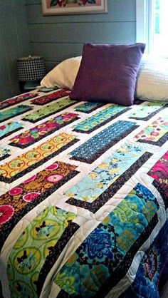 Free quilt patterns – video tutorial for shadow box quilt- full pattern on this link: . Free quilt patterns – video tutorial for shadow box quilt- full pattern on this link: . Patchwork Quilting, 3d Quilts, Scrappy Quilts, Jellyroll Quilts, Strip Quilts, Quilting Projects, Quilting Designs, Quilting Ideas, Quilt Inspiration