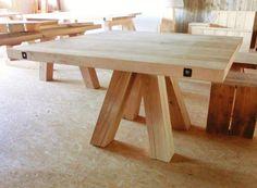 Eiken tafel met schuine blokpoten | MASSIEVE TAFELS | Stoere Tafels