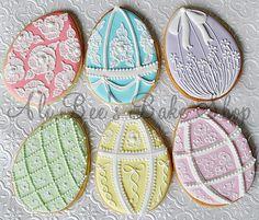 Ali Bee's Bake Shop: Tutorial: Icing Consistency 101 - The Basics. Other great cookie inspiration & tutorials! No Egg Cookies, Owl Cookies, Galletas Cookies, Iced Cookies, Cute Cookies, Easter Cookies, Holiday Cookies, Sugar Cookies, Fancy Cookies