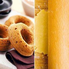 A házi vaníliás karika receptje - A vaníliás karikát mindenki szereti, szerencsére otthon is elkészítheted a klasszikus változatot. Doughnut, Muffin, Desserts, Food, Tailgate Desserts, Deserts, Eten, Postres, Dessert