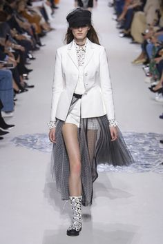 Christian Dior Spring 2018 Ready-to-Wear  Fashion Show Collection