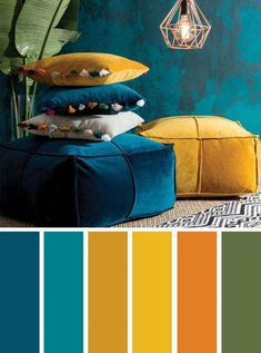 ▷ 1001 + secrets pour réussir la déco jaune moutarde idea what color to associate with navy blue, ethnic decoration in a living room with dark blue walls with mustard yellow accessories Living Room Color Schemes, Blue Color Schemes, Colour Pallette, Peacock Color Scheme, Color Blue, Cores Art Deco, Mustard Living Rooms, Mustard Yellow Decor, Mustard Color Scheme
