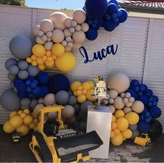 We loved styling this elegant white balloon garland. With touches of gold made this garland just heavenly! A huge… Balloon Garland, Balloon Decorations, Birthday Party Decorations, Balloon Backdrop, Construction Birthday Parties, Construction Theme, Balloons Galore, Birthday Themes For Boys, 2nd Birthday