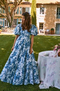 Blue and white print puff sleeve, maxi dress. Blue Dresses, Casual Dresses, Midi Dresses, Pretty Dresses, Baby Girl Dress Patterns, Thing 1, Blue And White Dress, Blue China, Designer Dresses