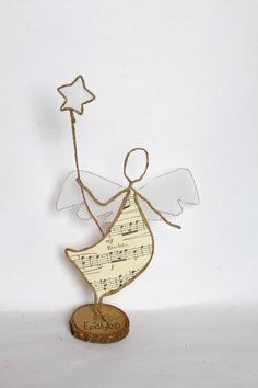 Epistyle: Deux nouveaux kits et concours. Christmas Angels, Christmas Crafts, Christmas Decorations, Christmas Ornaments, Wire Crafts, Diy And Crafts, Arts And Crafts, Wire Art Sculpture, Wire Ornaments