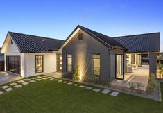 Orini showhome Landmark Homes builders waikato Modern Barn House, Modern Rustic Homes, Modern House Plans, Modern House Design, Style At Home, Exterior House Colors, Exterior Design, Bungalow Haus Design, House Plans South Africa