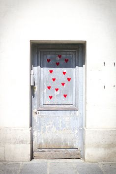 Paris hearts door
