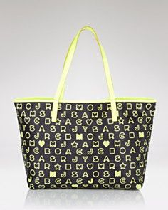 My new Marc by Marc Jacobs eazy tote I got this president's day weekend <3 Cute for spring and summer!