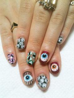 Eye print nails. Googly eye nails!!!