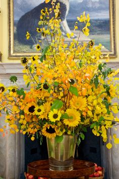 The Mighty Sunflower! Sunflowers and other yellow flowers The post The Mighty Sunflower! appeared first on Easy flowers. Sunflower Arrangements, Beautiful Flower Arrangements, Beautiful Flowers, Ikebana, Fresh Flowers, Yellow Flowers, Autumn Flowers, Sunflower Wedding Decorations, Sunflower Weddings