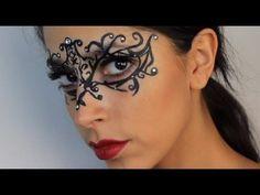 black eyes halloween make up Masquerade Mask Makeup, White Masquerade Mask, Couples Masquerade Masks, Venetian Masquerade Masks, Masquerade Party, Mask Face Paint, Mask Painting, Halloween Kostüm, Halloween Face Makeup