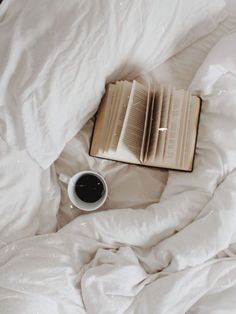 coffee in bed Flat lay: book, bed, black coffee, white bedding Aesthetic Light, Cream Aesthetic, Brown Aesthetic, Aesthetic Photo, Aesthetic Pictures, Aesthetic Backgrounds, Aesthetic Wallpapers, Images Esthétiques, Coffee And Books