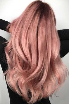 35 Charming Rose Gold Hair Colors - Page 13 of 35 - LoveIn Home : 35 Charming Rose Gold Hair Colors Rose gold hair,hair colors,hairstyle ideas. Gold Hair Colors, Ombre Hair Color, Hair Color Balayage, Hair Colours, Rose Gold Balayage, Trendy Hair Colour, Rose Hair Color, Hair Highlights, Rose Gold Ombre