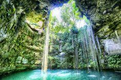 Cenote Ik-Kil. | 18 Paradisiacos cenotes que tienes que visitar en Yucatán