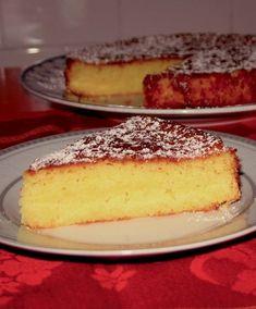 La torta all' arancia è una torta sana e genuina, con un profumo unico e festoso. Oggi le daremo un tocco di leggerezza in più grazie ...