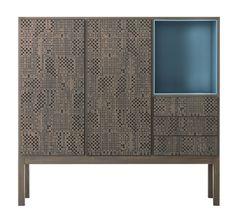 Les rangements précieux Cabinet Hi-Deck en bois de tilleul microperforé, Carlo Tamborini (Capo d'Opera)