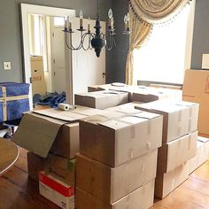 20 Packing Tips to Make Moving Easier | Extra Space Storage Moving Containers, Food Storage Containers, Moving Hacks, Moving Tips, Packing To Move, Packing Tips, Large Moving Boxes, Pods Moving, Colored Tape