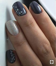 Dark gray and silver sparkle nails