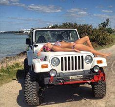 Sexy Jeep Girls