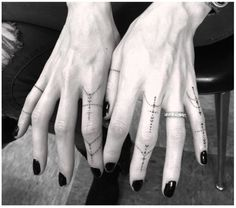 50 Tiny Cute-icle Tattoos Inspired By Rihanna - Tattoo 21 Tattoo, Dr Woo Tattoo, Home Tattoo, Tattoo Motive, Tattoo Shop, Dot Work Tattoo, Tattoo Am Finger, Small Finger Tattoos, Finger Tats