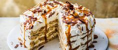 Banoffee Fridge Cake Recipe Non Bake Desserts, Dinner Party Desserts, Banoffee Cake, Best Summer Desserts, Summer Recipes, Fridge Cake, Flat Cakes, Digestive Biscuits, Chocolate Cream Cheese