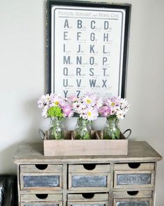 Easter Table For Kids - Taryn Whiteaker Easter Table, Easter Decor, Homekeeping, Chalkboard Paint, Spring Is Here, Farmhouse Decor, Sweet Home, Shabby Chic, Diy Crafts