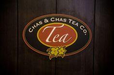 Chas & Chas Tea Co. Nuestro logo.