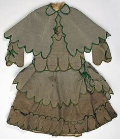 Girl's Patterned Silk Ensemble with Scalloped Edges, circa 1875 | #Victorian #1870s