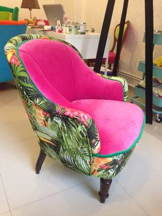Fotel różowy Tukan - JuicyColors_pl - Kanapy i fotele Hijab Evening Dress, Tub Chair, Accent Chairs, Sofa, Furniture, Color, Barcelona, Design, Home Decor