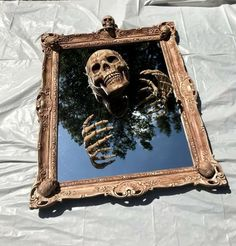 Creepy Haunted Halloween Spooky Gothic Style Skeleton Skull Mirror Prop - Real Time - Diet, Exercise, Fitness, Finance You for Healthy articles ideas Casa Halloween, Theme Halloween, Halloween 2020, Holidays Halloween, Halloween Crafts, Happy Halloween, Haunted Halloween, Scary Halloween Decorations, Outdoor Halloween