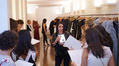 A @GloriaCoelho fará nessa tarde uma palestra exclusiva para os seus clientes contando sobre a nova coleção de Inverno desfilada no ultimo desfile do SPFW. O bate papo vai acontecer na Flagship da marca na Bela Cintra. Em seguida acontecerá coquetel ara comemorar a coleção completa que acaba de chegar às lojas.  via HARPER'S BAZAAR BRAZIL MAGAZINE OFFICIAL INSTAGRAM - Fashion Campaigns  Haute Couture  Advertising  Editorial Photography  Magazine Cover Designs  Supermodels  Runway Models