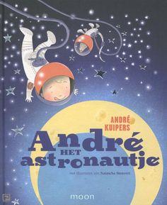 Prentenboek: Het eerste boek dat in de ruimte is geschreven! En wel door de Nederlandse astronaut Andre Kuipers. Andre het Astronautje vraagt zich af waar de maan eigenlijk van is gemaakt. Weet jij het?