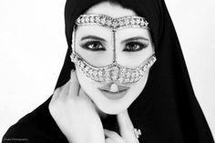 The Traditional Burqa Hashtag Hijab, Arab Swag, Yoga Hair, Pakistani Culture, Russian Wedding, Arabian Beauty, Arab Women, Turkish Beauty, Arabian Nights