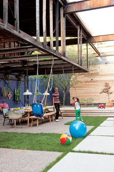 Yard remodel project: outdoor entertaining and relaxing; photo credit: Stacey Brandford, via dwell. - All About Garden Outdoor Play, Outdoor Spaces, Outdoor Living, Indoor Outdoor, Modern Backyard, Modern Landscaping, Backyard Pavers, Fun Backyard, Backyard Playground
