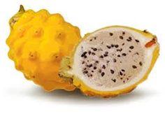 La pitahaya es también conocida con los nombres de Fruta de dragón y Pitaya.  Es también conocida con los nombres de warakko, pitaya, yaurero y pitajón, y consiste en una fruta exótica o tropical que pertenece a las plantas de las Cactáceas.