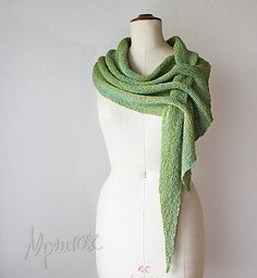 Ravelry: Project Gallery for Pfeilraupe pattern by Alpi Alpenrose