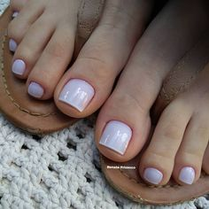 Unhas dos pés com cores e eamaltes perfeitos Cute Toe Nails, Cute Toes, Manicure E Pedicure, Top Coat, Beauty Make Up, Nail Polish, Pretty, Zero, Pasta