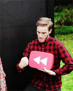 PewDiePie and CutiePieMarzia are in our hearts! Felix Pewdiepie, Marzia And Felix, Pewdiepie Youtube, Swedish Meatball, Youtube Rewind, I Love Him, My Love, Dan And Phil, Youtubers