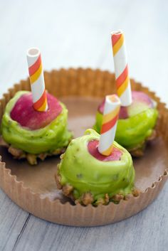 29. Mini Caramel Candy Apples #healthy #fall #snacks http://greatist.com/health/fall-snacks