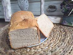 POTŘEBNÉ PŘÍSADY: 450g žitného kvásku 450g pšeničné chlebové mouky 5 lžiček soli 250- 300ml vody - ( kdo chce dá podmáslí, mléko apod ) nepovinné - česnek, semínka, kmín atd POSTUP PŘÍPRAVY: Jdeme na to- rozkvasíme si kvásek. Bread, Cooking, Food, Kitchen, Brot, Essen, Baking, Meals, Breads