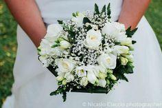 Bouquet Sposa fresie e rose bianche