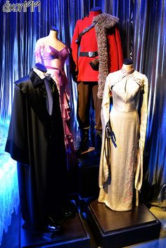 Cosplay Harry Potter Yule Ball costumes from Harry Potter and the Goblet of Fire Weasley Harry Potter, Harry Potter Set, Harry Potter Cosplay, Harry Potter Style, Harry Potter Characters, Movie Costumes, Cosplay Costumes, Beautiful Costumes, Amazing Costumes
