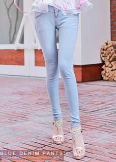 Today's Hot Pick :Basic Light Wash Skinny Jeans http://fashionstylep.com/SFSELFAA0008068/bapumken1/out High quality Korean fashion direct from our design studio in South Korea! We offer competitive pricing and guaranteed quality products. If you have any questions about sizing feel free to contact us any time and we can provide detailed measurements.