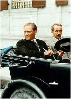 Mustafa Kemal ATATÜRK and Inonu (second President of the Republic). Ottoman Turks, Turkish Army, The Legend Of Heroes, Great Leaders, World Peace, World Leaders, The Republic, Presidents, Warriors