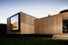 carolyn walker + geoff fletcher architects / kapiti beach house nz