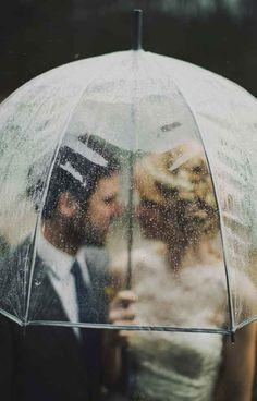 Durchsichtiger Regenschirm - falls es regnet.