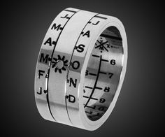 Awesome mens sundial ring