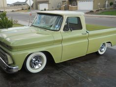 65 Chevrolet : Looks like my Dad's truck for the gas station